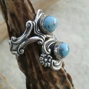 Beau vintage turquoise silver ring
